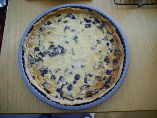 Cheddar and red onion quiche