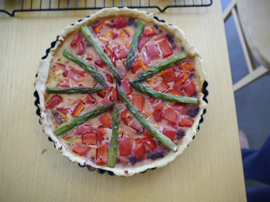 Asparagus, red pepper and beetroot quiche